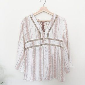 Anna Grace Boutique Flowy Pink and White Blouse